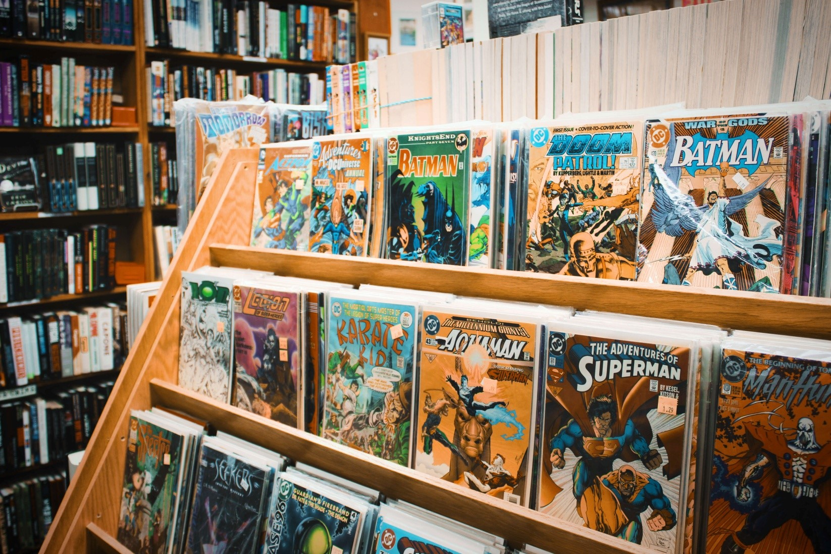 Review Writing: 5 Best Comics Superheroes of All Times